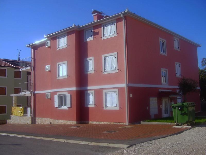 Stambeno-apartmanski objekt – Karigador, Istra