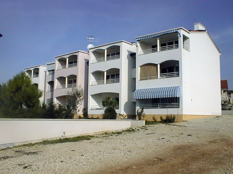 Stambeno-apartmanski objekt – Zambratija 2, Umag