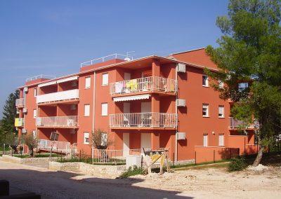 Stambeno-apartmanski objekt – Zambratija 8, Umag