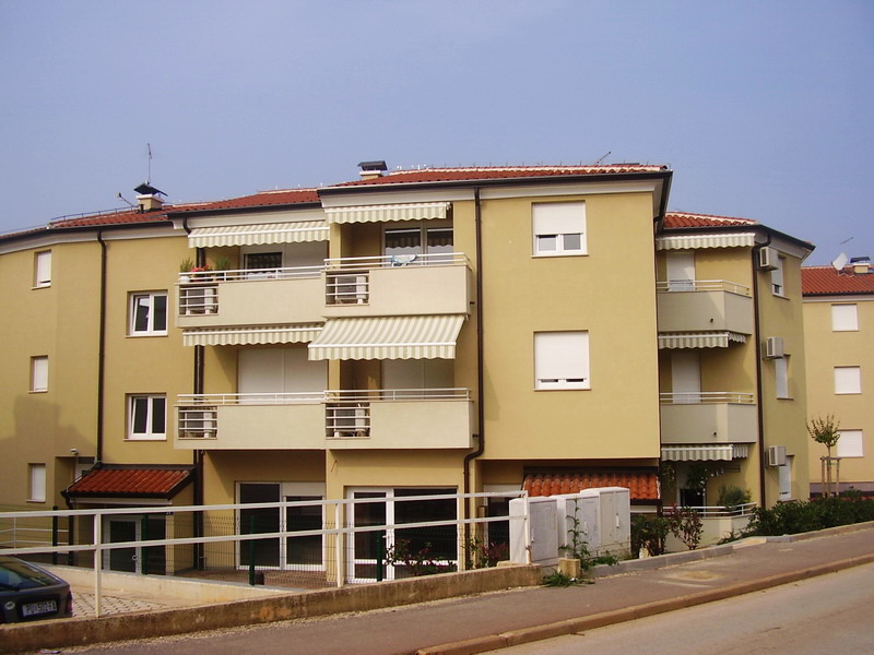 Stambeno-apartmanski objekt – Zambratija 6, Umag